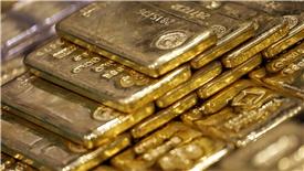 Vàng được tiếp sức bởi USD giảm và dầu thô tăng giá