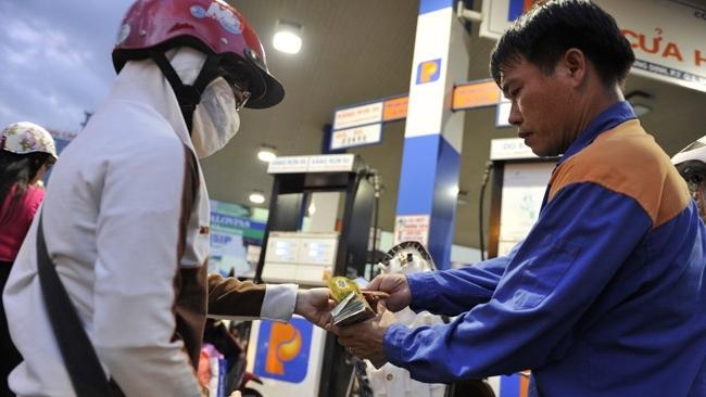Không tăng giá xăng trong dịp Tết nguyên đán 2018