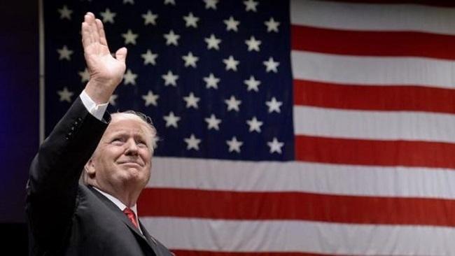 Trump bất ngờ muốn 'yêu lại từ đầu' với TPP