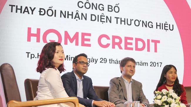 Home Credit đổi logo chiếc tủ lạnh sang khuôn mặt cười