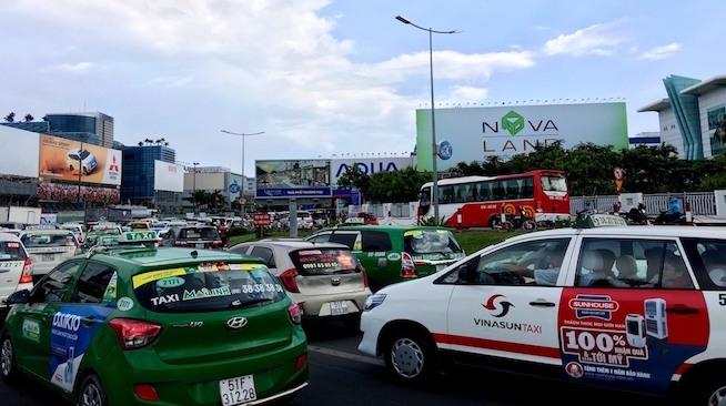 Chuyên gia hiến kế mượn đất quốc phòng giải cứu sân bay Tân Sơn Nhất