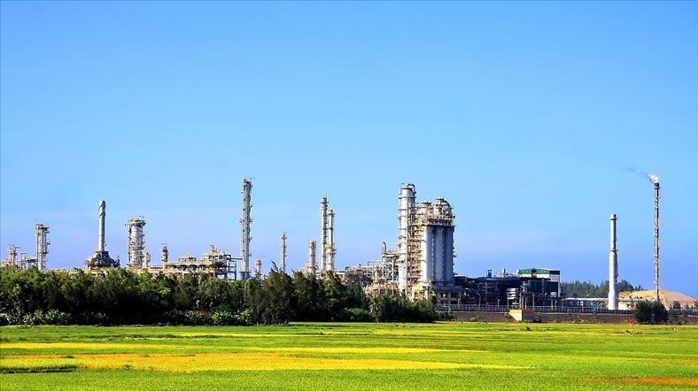 Hoãn cổ phần hóa nhà máy lọc dầu Dung Quất đến tháng 1/2018