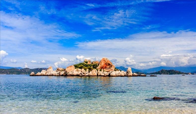 Phát triển du lịch biển, đảo còn manh mún và tự phát