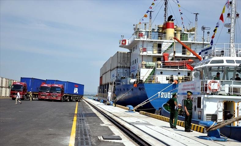Mở rộng cầu cảng và hệ thống kho bãi cảng Chu Lai