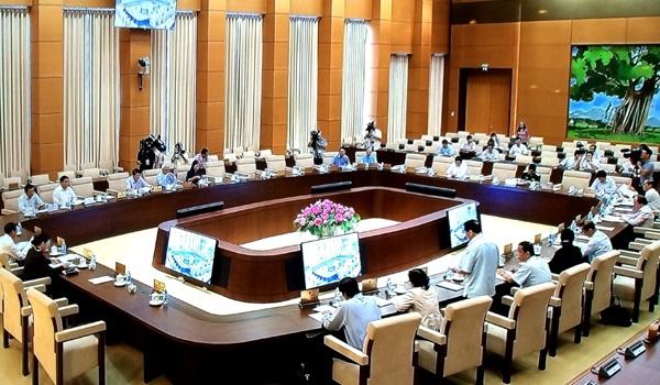 Ủy ban Thường vụ Quốc hội giám sát thực hiện chính sách phát triển kinh tế biển