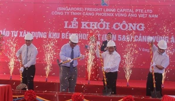 Hơn 2.000 tỉ đồng xây dựng 2 cầu cảng tại Vũng Áng