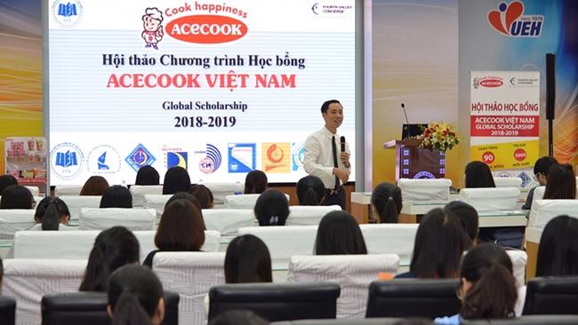 Acecook Việt Nam trao học bổng giá trị lớn cho sinh viên