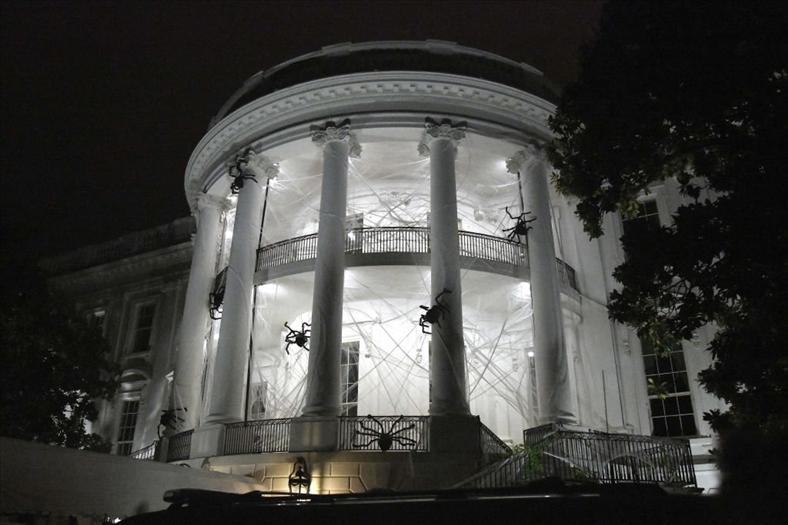 Tổng thống Trump lần đầu trải nghiệm đêm ma ám Halloween tại Nhà Trắng