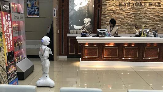 Robot sẽ không cướp hết công việc vì vẫn phải có người phục vụ chúng