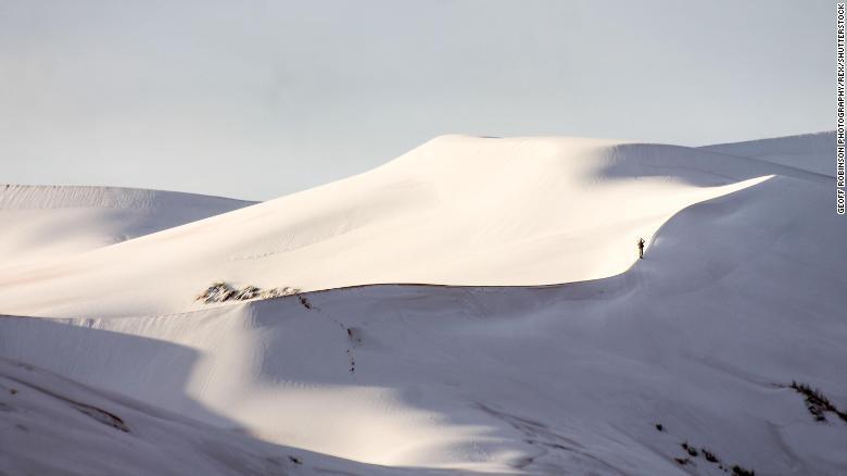 Tuyết rơi ở nơi nóng nhất thế giới