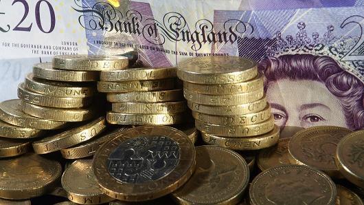 Ở Anh, lương 3 ngày của ông chủ bằng cả năm của nhân viên