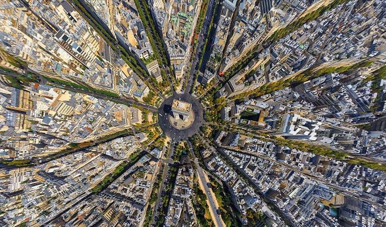 """20 thành phố bỗng trở nên """"khác lạ"""" khi nhìn từ trên cao"""