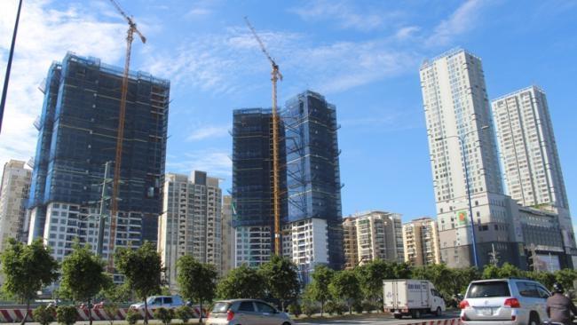Ngân hàng kiểm soát cho vay, bất động sản xoay sở tìm vốn