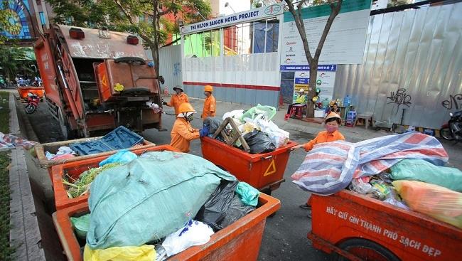 TP. HCM phát sinh khoảng 400 tấn chất thải nguy hại mỗi ngày