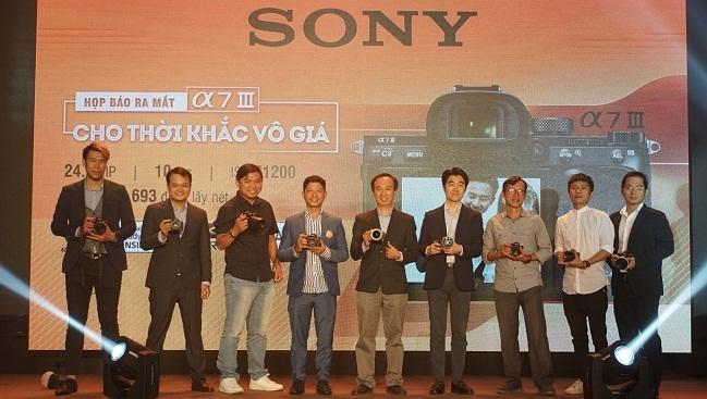 Sony giới thiệu máy ảnh chuyên nghiệp Sony α7 III giá 49 triệu đồng tại Việt Nam