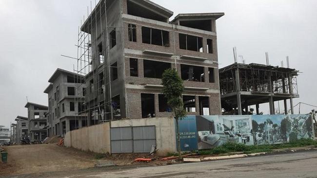 Dự án Khai Sơn Hill thi công không phép: Chính quyền… bó tay
