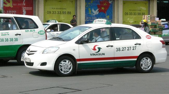 Cá mập ngoại đang từng bước 'nuốt chửng' thị trường gọi xe Việt Nam như thế nào?