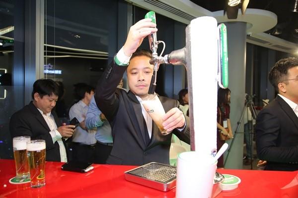 """Bảo tàng bia trên cao: """"Cuộc chơi"""" thương hiệu táo bạo của Heineken tại Việt Nam 2"""