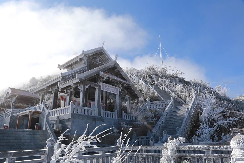 Một Fansipan lạ lẫm dưới tuyết trắng 7