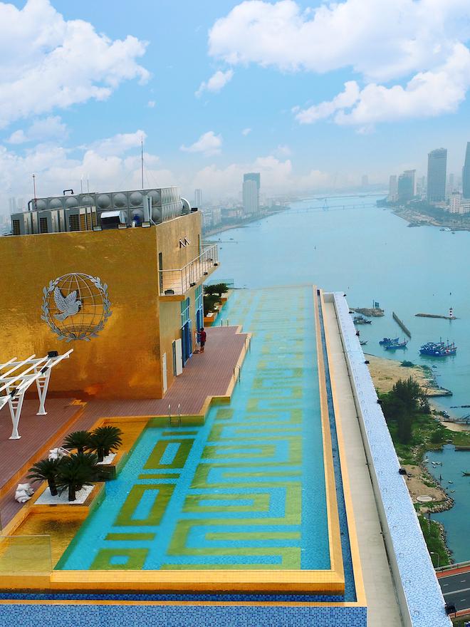 Tận hưởng kì nghỉ hè sang chảnh tại khách sạn 5 sao Đà Nẵng.