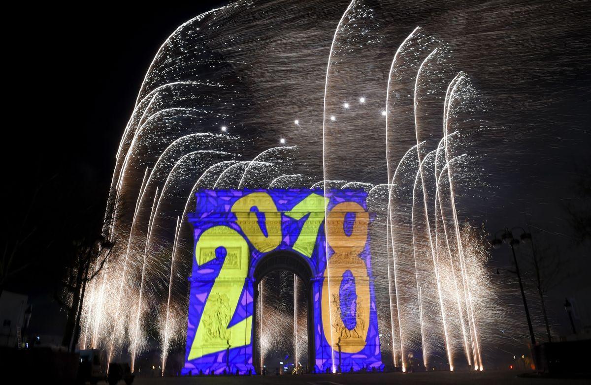 Pháo hoa và ánh sáng đón chào năm mới 2018 trên khắp thế giới 2