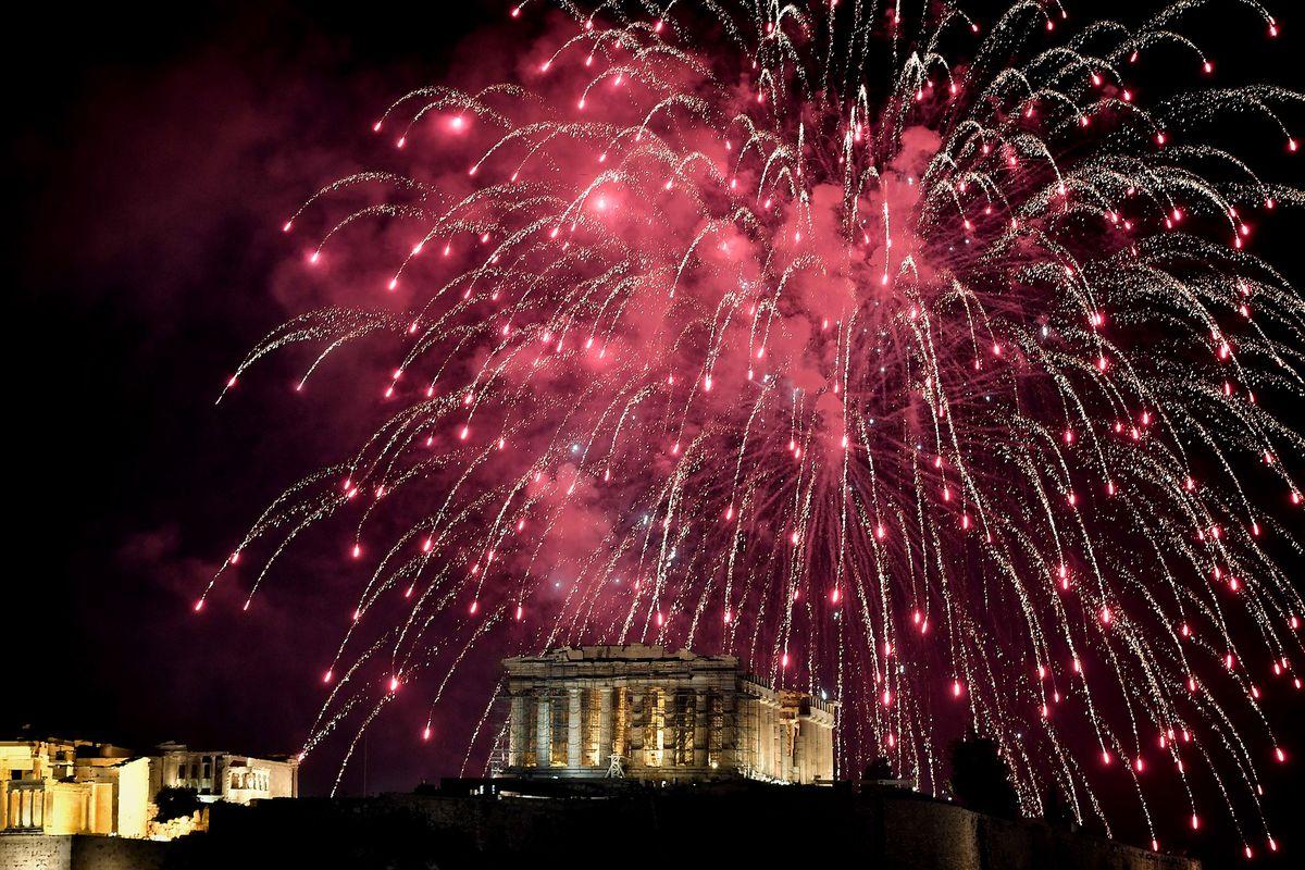 Pháo hoa và ánh sáng đón chào năm mới 2018 trên khắp thế giới 4