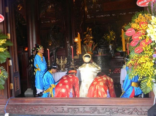 Nam Phương Linh Từ - khu du lịch tâm linh duy nhất ở miền Tây