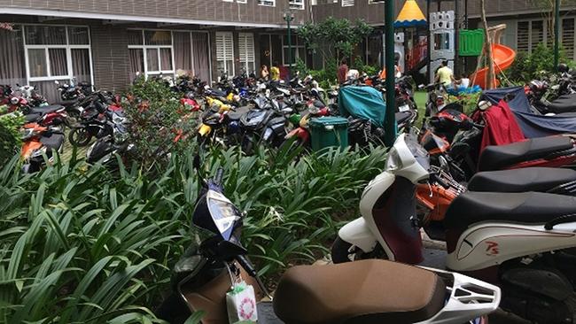 Chỗ để xe ô tô – niềm nhức nhối của cư dân chung cư TP. HCM