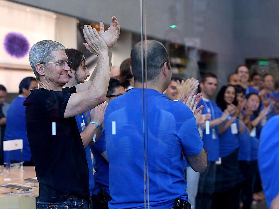 Một ngày của CEO Apple: thức dậy từ 3:45 sáng và thu về 102 triệu USD vào năm 2017 7