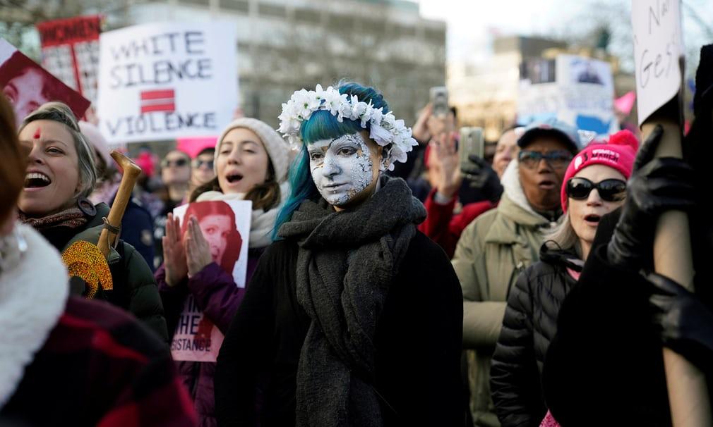 Tròn 1 năm ông Trump nhậm chức: Chính phủ đóng cửa, phụ nữ biểu tình 3