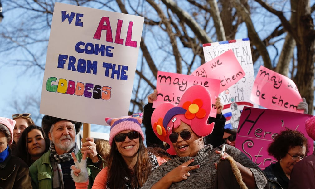 Tròn 1 năm ông Trump nhậm chức: Chính phủ đóng cửa, phụ nữ biểu tình