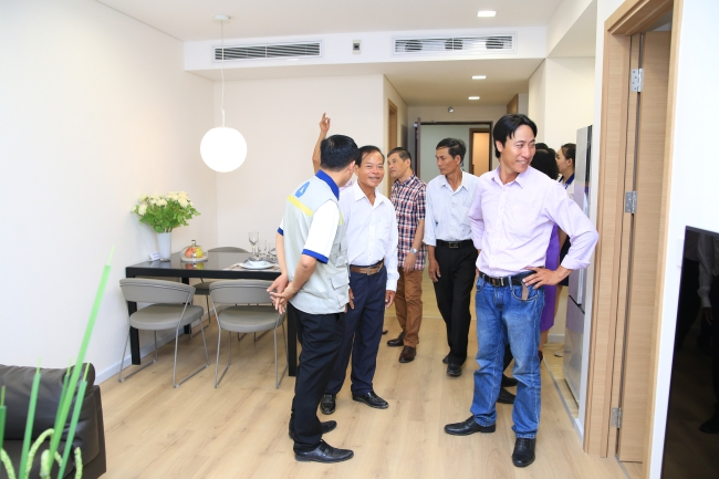 Dự án Rivera Park Hà Nội bắt đầu bàn giao nhà cho khách hàng.