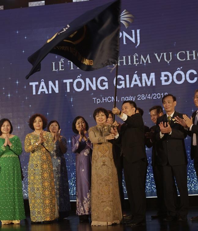 Bà Cao Ngọc Dung, Chủ tịch HĐQT PNJ: Một phẩm chất vàng được trui rèn qua lửa đỏ và nước lạnh 2
