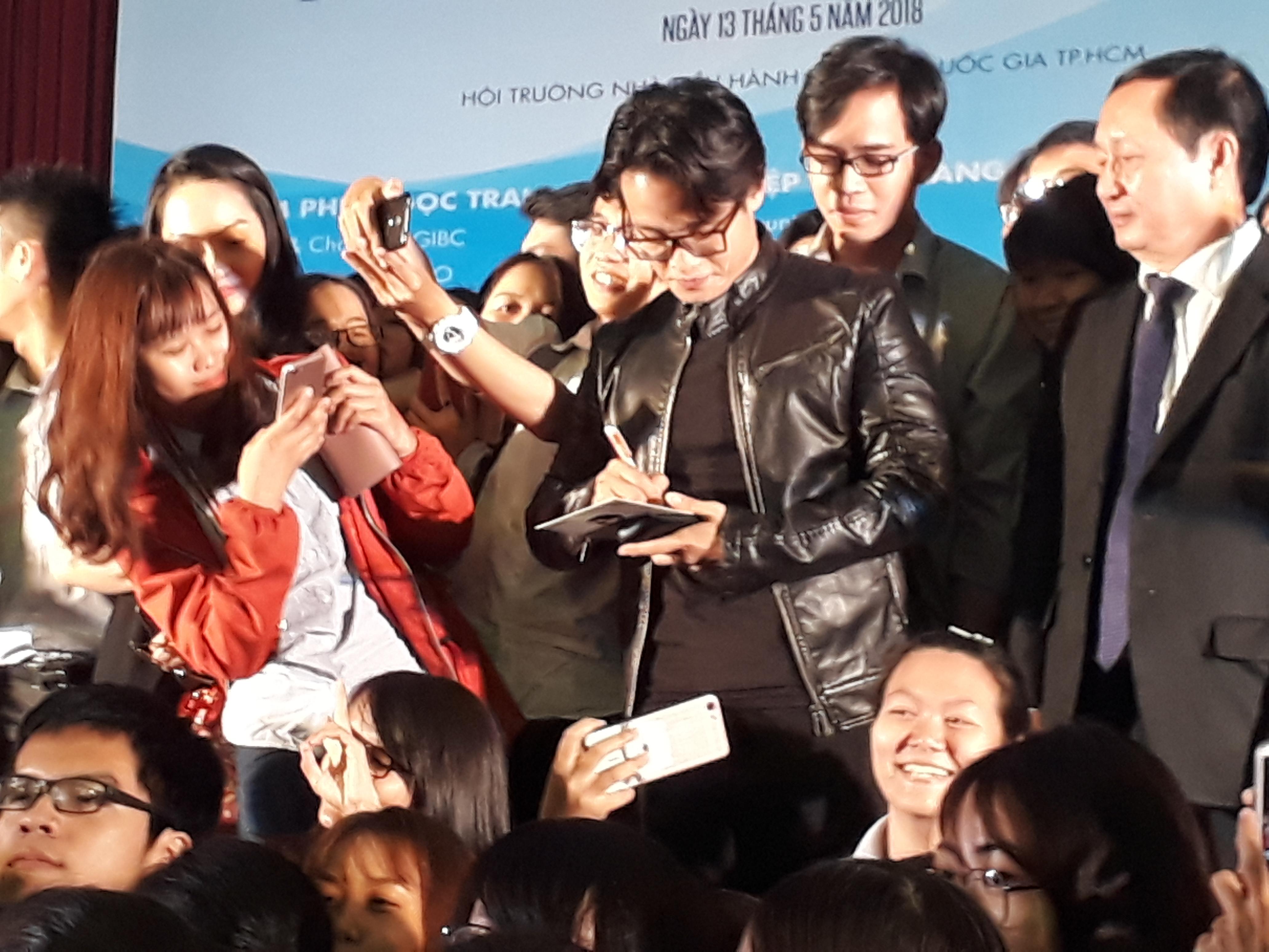 Ca sĩ Hà Anh Tuấn: 'Giàu phải bền vững, đừng giàu nhanh sẽ mất nhanh' 1