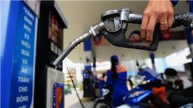 Giá xăng E5 RON92 giảm gần 1.000 đồng/lít