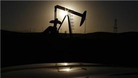 Rào cản tăng giá dầu từ sản lượng kỷ lục của Mỹ