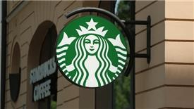 Starbucks bắt tay Alibaba giữa cuộc chiến thương mại Mỹ - Trung tăng nhiệt