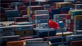 Tăng trưởng kinh tế Trung Quốc chạm đáy gần 3 thập kỷ