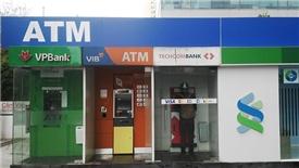 Ngân hàng gặp khó vì tín dụng tăng trưởng thấp