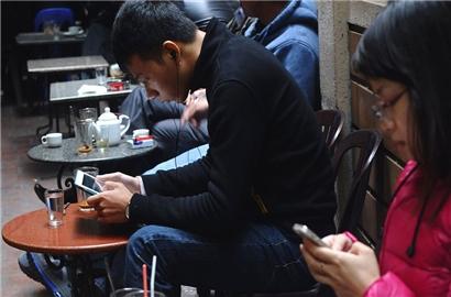 Các nhà kinh doanh tại Việt Nam ngày càng 'đắm đuối' với Facebook
