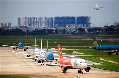 Du lịch, hàng không hấp hối sau cú đấm liên hoàn từ Covid-19
