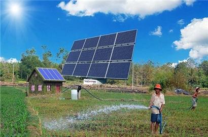 Trùm năng lượng Singapore đề xuất đầu tư điện mặt trời tại Khánh Hòa