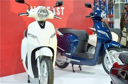 Chiêm ngưỡng xe máy điện thông minh VinFast Klara có thể ngâm hàng giờ trong nước