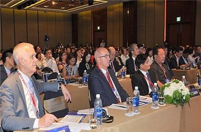 Những thách thức đối với kinh tế Việt Nam 2019 và vai trò của CFO