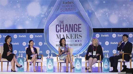 'Các lãnh đạo nữ hãy bước ra khỏi vùng an toàn'