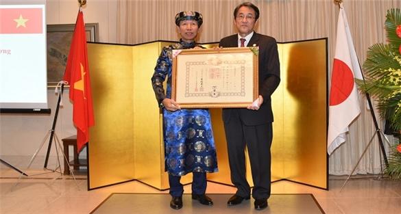 Hoàng Gia Nhật Bản trao Huân chương Mặt trời Mọc cho TS. Phan Hữu Thắng
