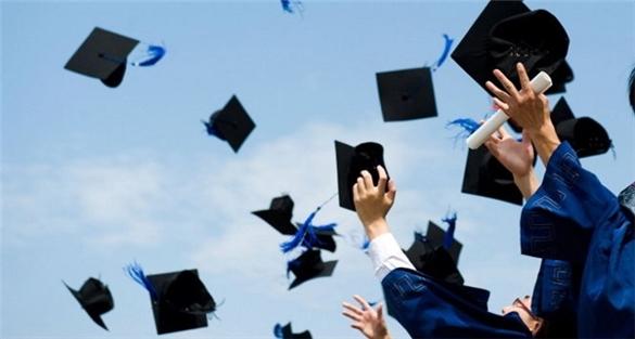 Khởi nghiệp có cần bằng cấp đại học?