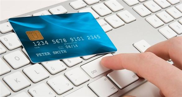 Phát hành hàng triệu thẻ ngân hàng mỗi năm nhưng 90% chi tiêu của người Việt vẫn là tiền mặt