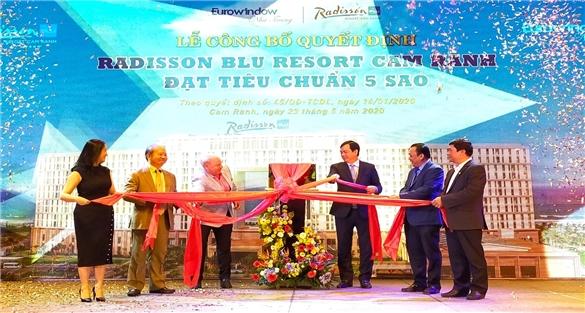 2 khu nghỉ dưỡng tại Cam Ranh đạt chuẩn 5 sao