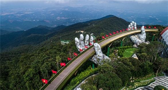 Sun World Ba Na Hills chính thức đón khách trở lại